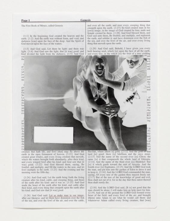 BrooMBerg & chanarin Divine Violence Genesis 2013 Ensemble de 57 cadres contenant 724 feuillets Epreuve à jet d'encre pour les éléments texte et image © Broomberg & Chanarin, Adagp 2018 © Centre Pompidou / Dist. RMN-GP